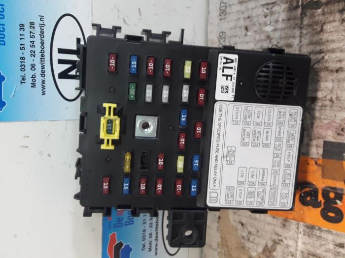 fuse box from a daewoo / chevrolet spark 1 0 16v bifuel 2010