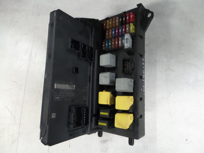 Used mercedes sprinter fuse box a9065454301 bzj for Garage mercedes loison sous lens