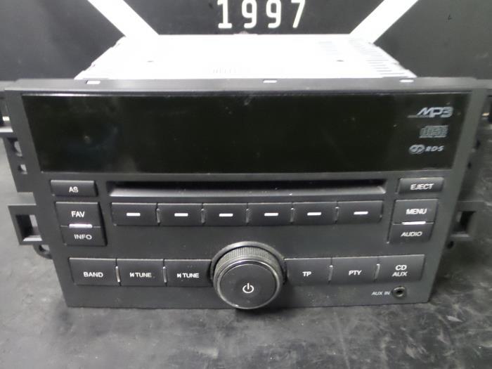 gebrauchte chevrolet captiva radio cd spieler 96647739. Black Bedroom Furniture Sets. Home Design Ideas