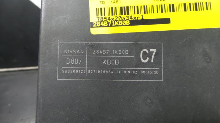 Used Nissan Juke Fuse box - 284B71KB0B - BZJ | ProxyParts.com on