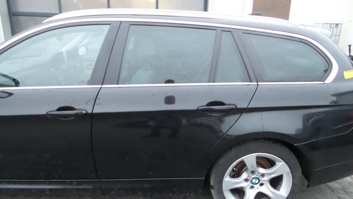 Rear door 4-door, left from a BMW 3-Serie 2011