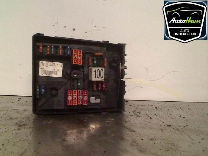 Used Volkswagen Jetta III (1K2) 1.9 TDI Fuse box - 1K2532740 ... on