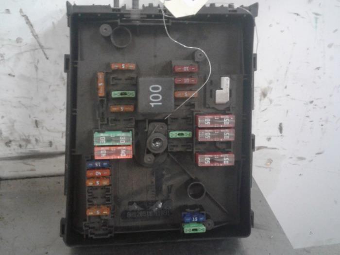 fuse box from a skoda octavia (1z3) 1 9 tdi 2010