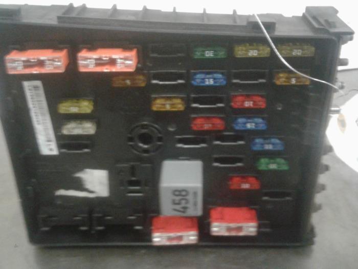 Used Volkswagen Pat (3C2) 1.6 FSI 16V Fuse box - 3C0937125 ... on mitsubishi fuse box, beetle fuse box, saturn fuse box, oldsmobile fuse box, mustang 5.0 fuse box, citroen fuse box, isuzu fuse box, pontiac fuse box, alfa romeo fuse box, porsche fuse box, infiniti fuse box, 98 jetta fuse box, car fuse box, karmann ghia fuse box, geo fuse box, bentley fuse box, touareg fuse box, maserati fuse box, kawasaki fuse box, sterling fuse box,