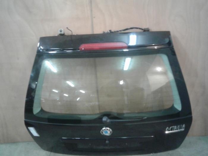 gebrauchte skoda octavia combi 1u5 1 6 heckklappe farbcode 9910 1u9827023c autoham auto. Black Bedroom Furniture Sets. Home Design Ideas