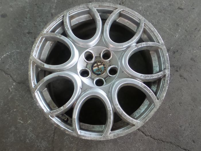 Used Alfa Romeo 159 939ax 19 Jtdm 16v Wheel 156071309