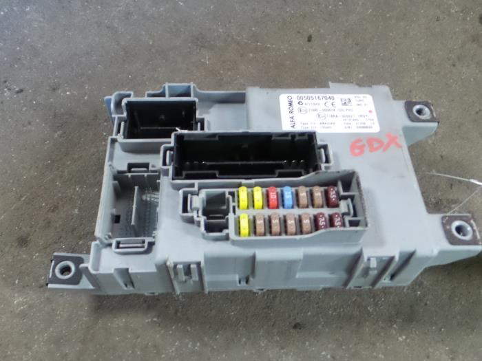 fuse box from a alfa romeo mito (955) 1 6 jtdm 16v 2009