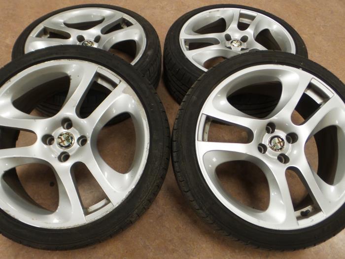 Used Alfa Romeo Mito 955 14 Tb 16v Set Of Sports Wheels