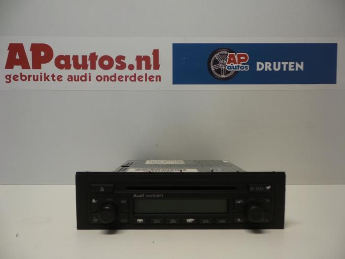 Used Audi A4 Avant (8E5) 2 5 TDI 24V Radio CD player - 8E0057186J