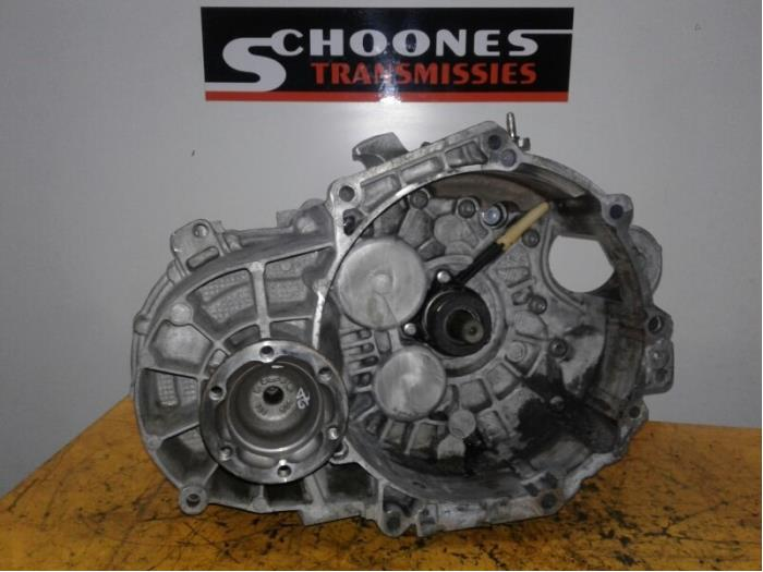 Gearbox from a Volkswagen Golf VII (AUA) 2.0 TDI 16V 2014
