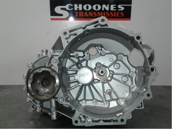 Gearbox from a Volkswagen Golf VII (AUA) 1.2 TSI 16V 2013