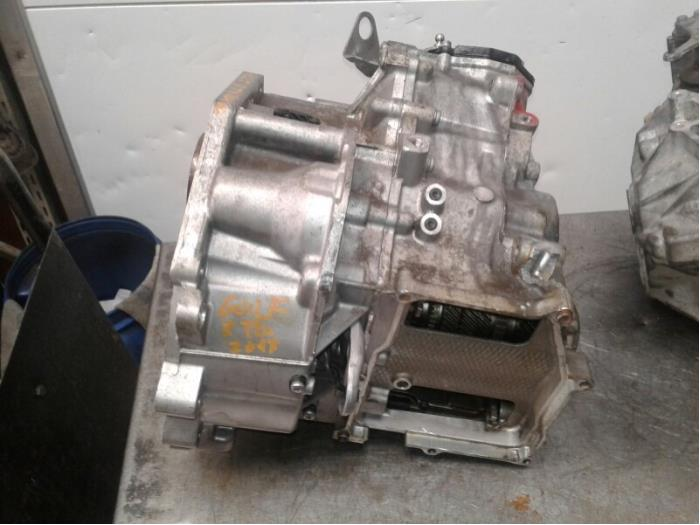 Gearbox from a Volkswagen Golf VII (AUA) 1.6 16V 2017