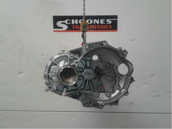 Gearbox from a Volkswagen Touran (1T3) 1.2 TSI 2012