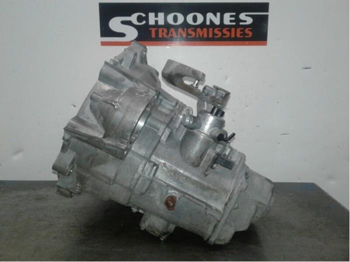 Gearbox from a Volkswagen Golf VII Variant (AUVV) 1.0 TSI 12V BlueMotion Technology 2016
