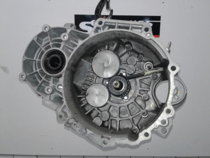 Gearbox from a Volkswagen Golf VII (AUA) 2.0 R-line 4Motion 16V 2015