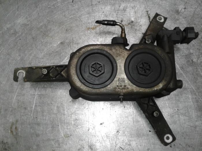 Used Chevrolet Captiva Fuel Filter Housing Z22d1 Schoones