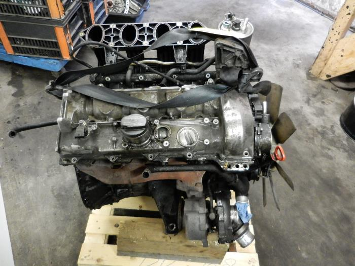... Engine from a Mercedes Sprinter 3t (903) 311 CDI 16V 2003 ...