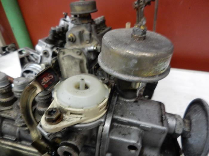 Used Mercedes 190 D W201 2 0 D Mechanical Fuel Pump A6010703001