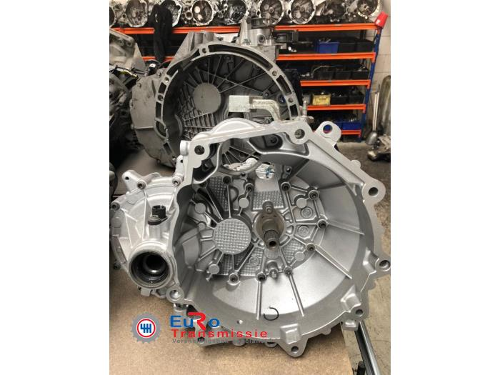Gearbox from a Volkswagen Up! (121) 1.0 12V 60 2013