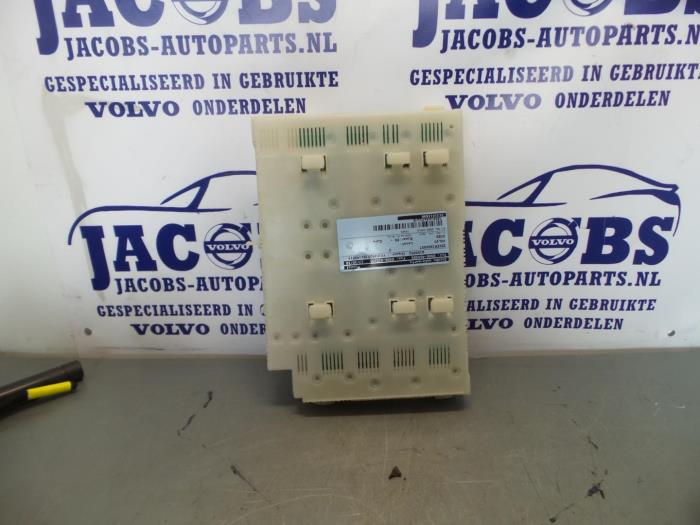 fuse box from a volvo xc60 2011