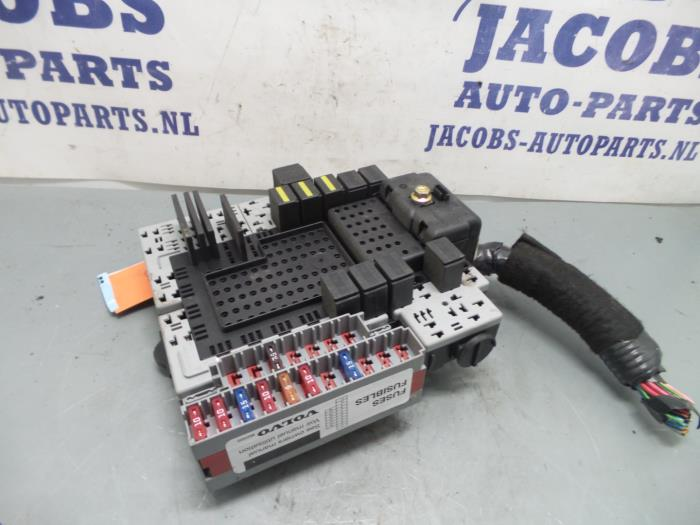used volvo s60 fuse box 8688153 jacobs auto parts proxyparts com dodge ram fuse  box 2003 volvo s60 fuse box