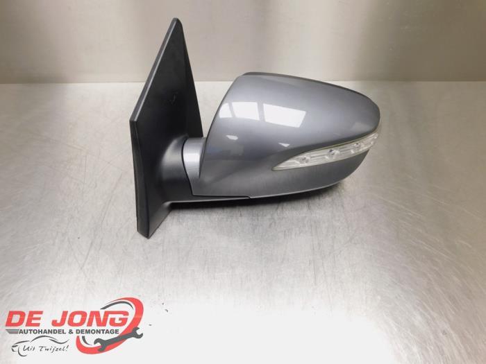 Retrovisor externo izquierda de un Hyundai iX 35 (LM) 2.0 CRDi 16V 4x4 2012