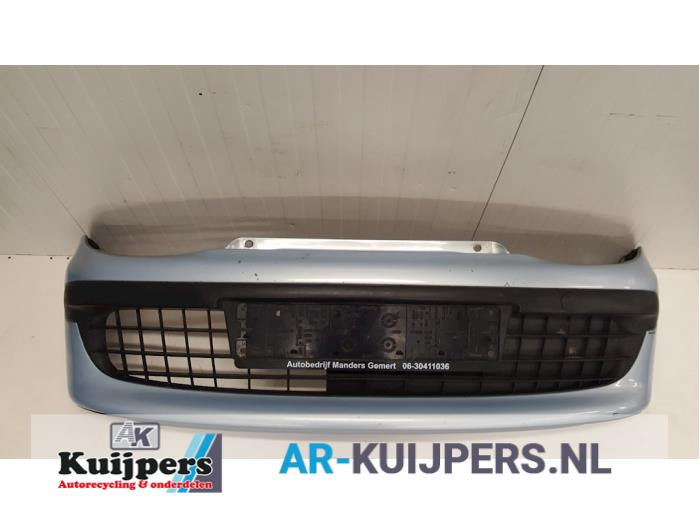 Front bumper from a Fiat Seicento (187)  2000