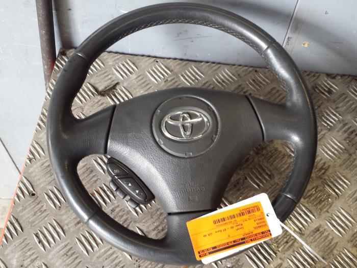 Steering Wheel From A Toyota Corolla E12 2 0 D 4d 16v 110 2003