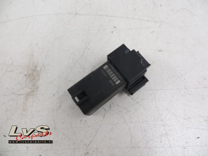 Used Volkswagen Polo Glow plug relay - 04B907281 - LvS