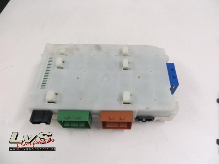 fuse box from a volvo xc60 2009