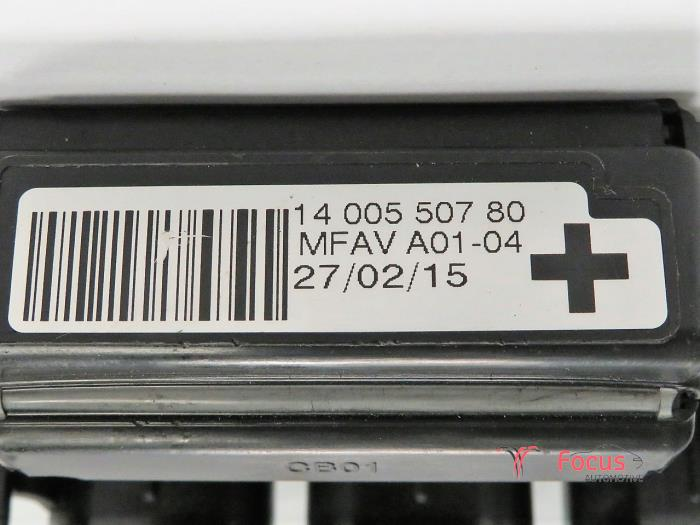 fuse box from a peugeot expert (g9) 2 0 hdif 16v 130 2015