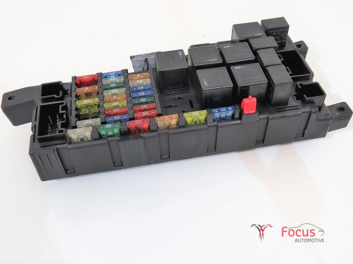 Fuse box from a Volvo XC90 I 2.4 D5 20V 2003