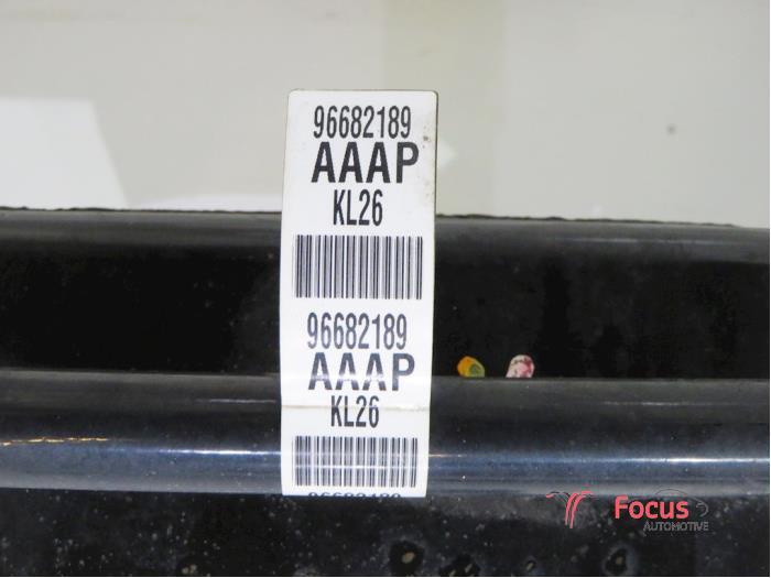 Unterrahmen van een Daewoo / Chevrolet Spark 1.0 16V 2011