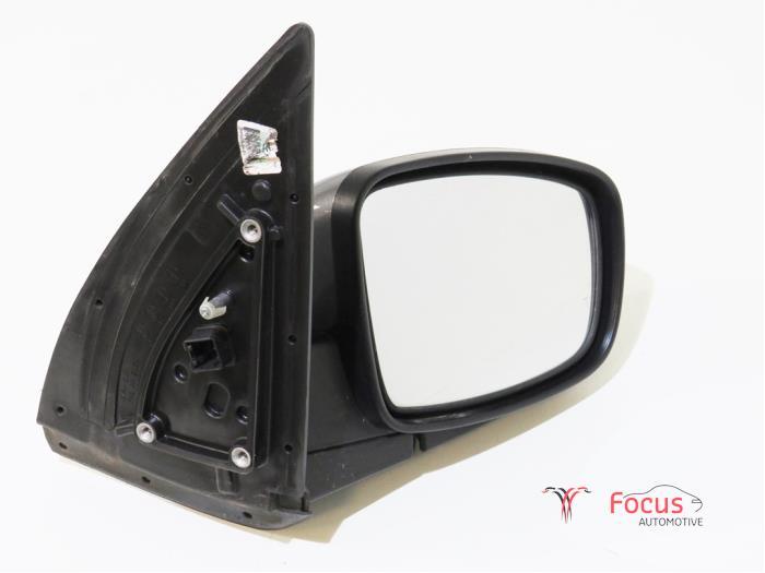Lusterko zewnetrzne prawe z Hyundai i10 (F5) 1.2i 16V 2008