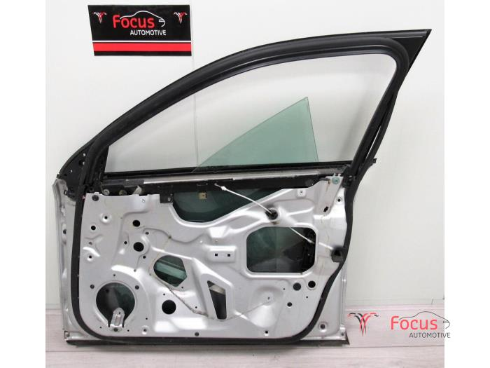 Front door 4-door, right from a Audi A4 2004