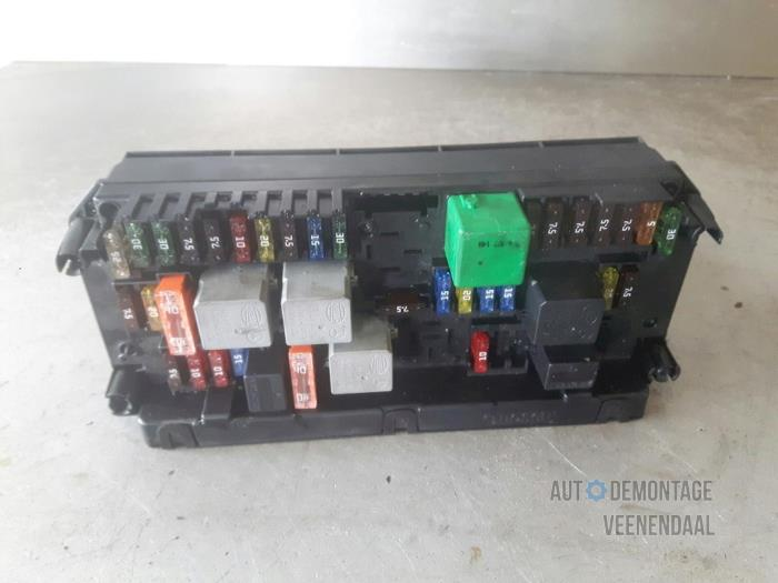 fuse box from a mercedes c (w204) 2 5 c-230 v6 24v 2008