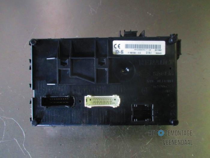Used Renault Clio Ii Bbcbsb 12 Fuse Box P8200065817. Fuse Box From A Renault Clio Ii Bbcbsb 12 2001. Renault. Renault Clio 98 Fuse Box At Eloancard.info