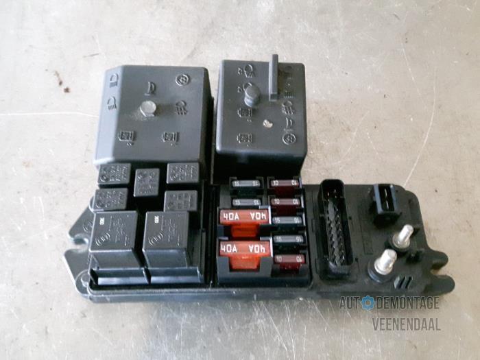 fuse box from a alfa romeo 166 2 5 v6 24v 2000