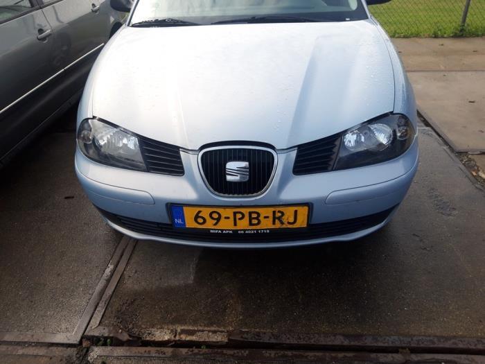 Maska z Seat Ibiza III (6L1) 1.4 16V 75 2004