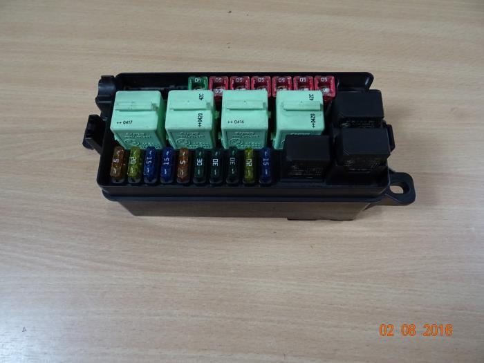 2004 mini cooper fuse box used mini cooper s fuse box 690660402 miniparts24  used mini cooper s fuse box 690660402