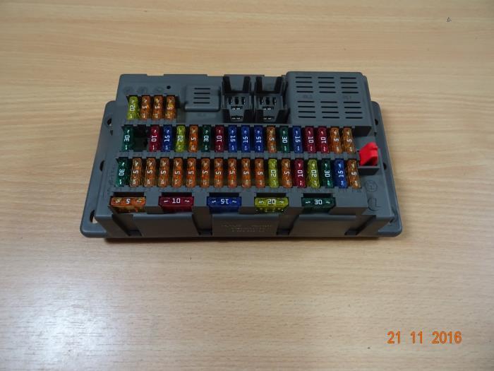 fuse box from a mini cooper 2005