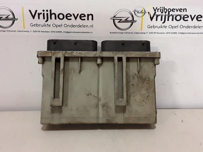 Ordenador de refrigeración de un Opel Astra G (F08/48) 1.6 16V 2001