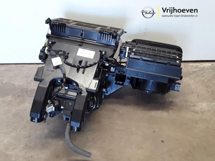 Boîtier chauffage d'un Opel Astra J (PC6/PD6/PE6/PF6) 1.4 Turbo 16V 2015