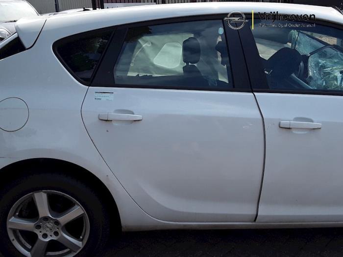 Tür 4-türig rechts hinten van een Opel Astra J (PC6/PD6/PE6/PF6) 1.3 CDTI 16V EcoFlex 2011