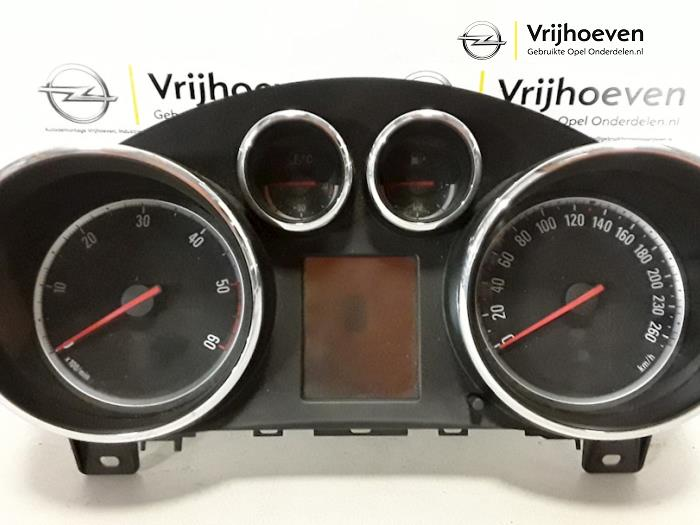 Panel de instrumentación de un Opel Astra J (PC6/PD6/PE6/PF6) 1.3 CDTI 16V EcoFlex 2010