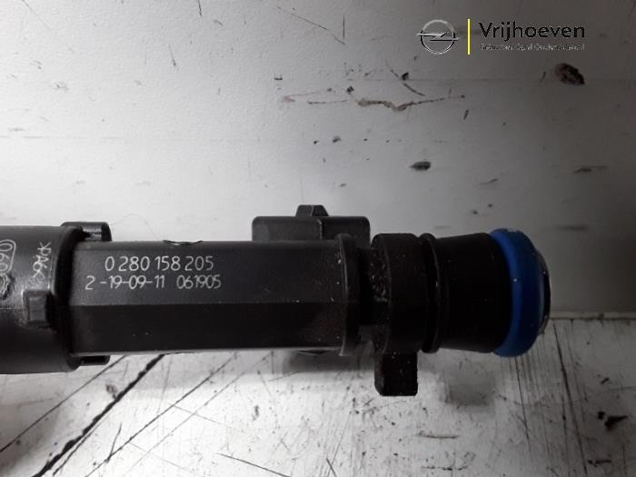Used Opel Astra J (PC6/PD6/PE6/PF6) 1 4 Turbo 16V Injector (petrol