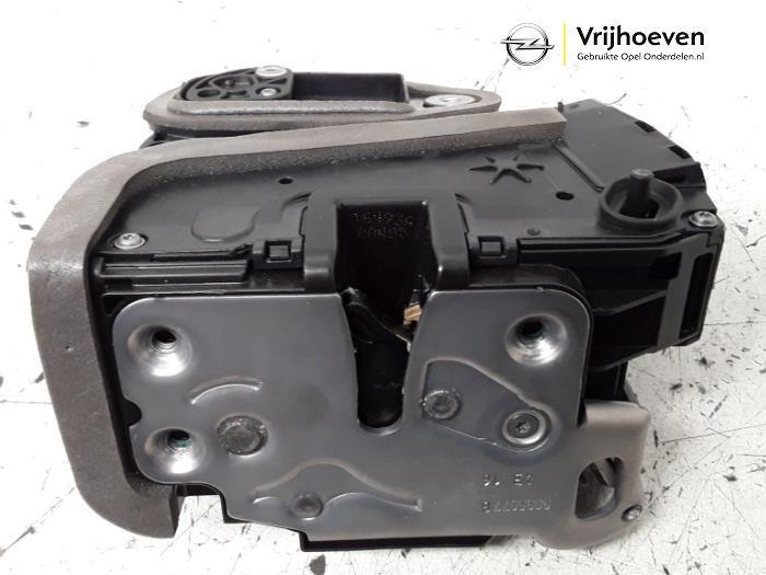 Rear door lock mechanism 4-door, left from a Opel Astra K 1.4 Turbo 16V 2016