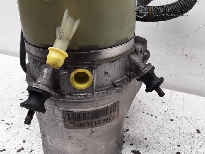 Lenkkraftverstärker Pumpe van een Opel Astra H (L48) 1.6 16V Twinport 2006