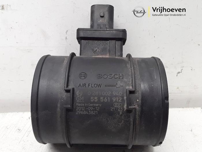 Airflow meter from a Opel Astra J Sports Tourer (PD8/PE8/PF8) 1.7 CDTi 16V 2012