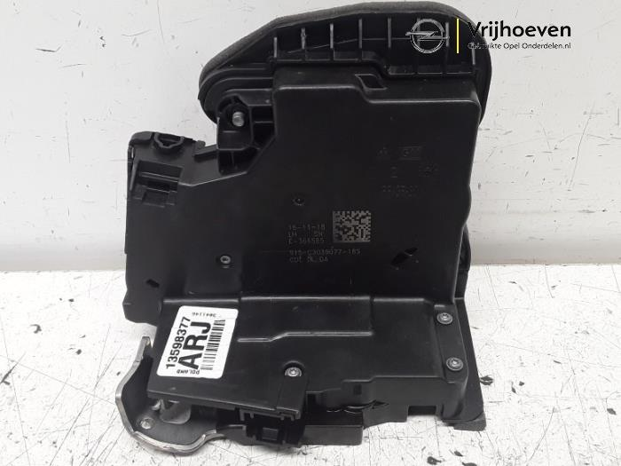 Rear door lock mechanism 4-door, left from a Opel Astra K 1.0 SIDI Turbo 12V 2019